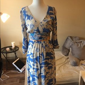 Anthropologie dress size 4 never been worn